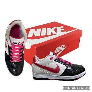 Nike white/black/pink women's 8.5 shoe